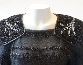 Vintage sweater jewel shiny black pullover unque