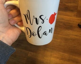 Teachers Coffee mug, Christmas gifts for teachers, personalized coffee cup with apple, teachers gift