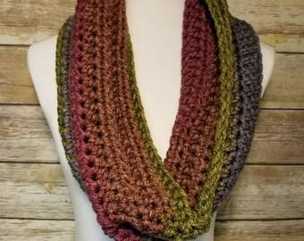 Handmade crochet cowl,  Wool blend cowl, Green cowl, Green scarf,  Burgandy cowl, Burgandy cowl, Chunky Cowl, Chunky scarf, Handmade scarf