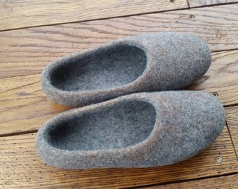 Women's Shoes, Felted slippers, Women home shoes, gift for her, Women slippers, wool slippers, Women winter shoes, Woolen Clogs, wool shoes