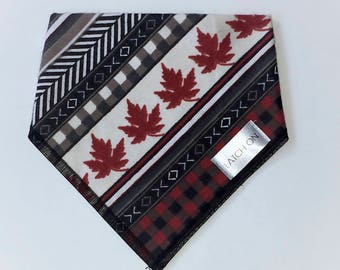 Baby bibdana - Canadiana prints