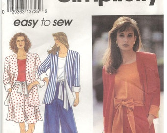 Simplicity 8271 Size 10, 12, 14, 16 Womens pencil skirt, split skirt / culottes, t-shirt / top and unlined jacket sewing pattern, skirt suit