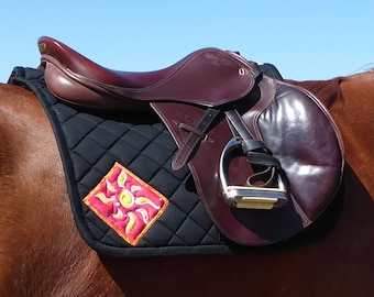 Be Confident! Black English Saddlepad from The Daylight Collection DA-71