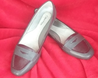 Vintage CALVIN KLEIN Gray/maroon Tammy Flat Loafers Size 6