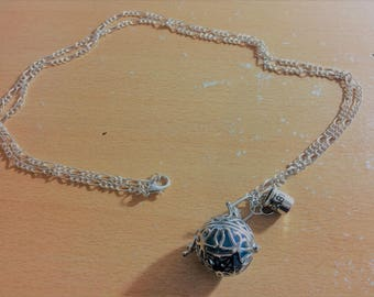 """Musical """"Bola"""" cage with Blue Pearl Necklace 18mm."""