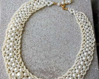 Sweet Romantic Ivory Off White Beaded Glass Pearl Wide Collar Choker Necklace Classic Wedding Bride Bridal Vintage Estate Jewelry Jewellery