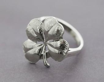 Four Leaf Clover Ring | Sterling Silver | Size 5 | Vintage Ring
