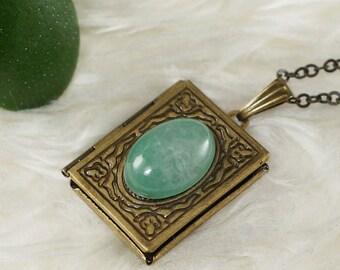 Necklace Locket Green Aventurine, antique brass (#7129)