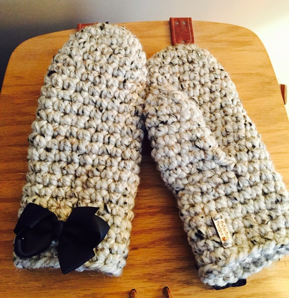 Thick, Full Chunky Mittens with Detachable Bows...Oatmeal with Black Bows