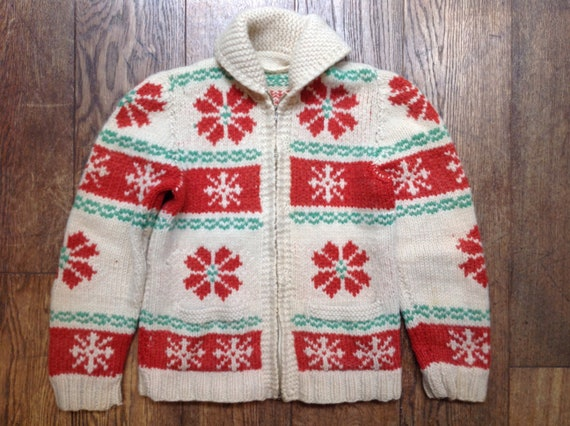 """Vintage 1969s 60s handknitted red white green wool shawl collar cowichan sweater cardigan 35"""" chest snowflake pattern Lightning zipper"""