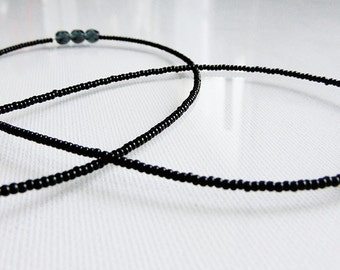 GRUÉ - Single strand Waist beads in Black