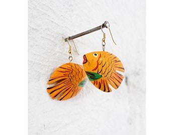 Fish Dangle Earrings • Vintage Dangle Earrings • 80s Earrings • Painted Wood Earrings • Tropical Fish Earrings • Summer Earrings   E281