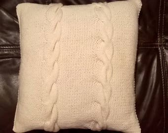 Irish cream - cable knit pillow cover