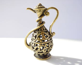 1 large pendant teapot Oriental carved relief 47x30mm - bronze