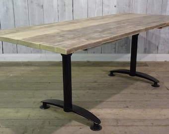 Reclaimed Solid Pine Top Metal Pedestal Leg Office Restaurant Cafe Pub Tables