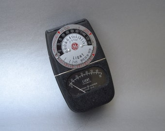 Very Nice Vintage GE Light Meter- Check out all of our Vintage Photography Accessories