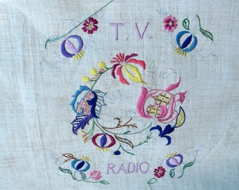 Vintage Embroidery Pattern- TV and Radio - One Printed linen design on a large rectangle - Floral Swirl Design