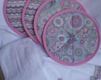 Hot pads/pot holders and towels
