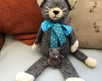 Hand knit tabby cat and mouse, knitted cat, knitted mouse, soft toy, cat, kitty, mouse