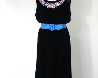 Vintage Black Dress Bob Mackie Wearable Art Sweater Dress 1980's Knit Shift Embroidered Size Medium