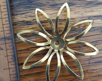 Brass open petal daisy flower. Beadwork, Jewelry making, Jewelry supply.