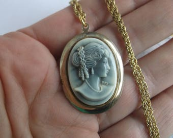 """Vintage Mid Century 1950s Cameo Necklace with Molded Pretty Blue Grey Cameo on a 20"""" Gold Plate Chain"""