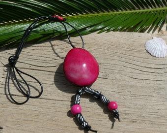 "Tagua nut necklace ""Rosa"" #tagua #corozo #collierentagua #ivoirevegetal #bijouxentagua #taguanutjewel #bijounaturel #colliertagua"