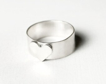 Stantiel Ring - Thick Band Heart Ring in Silver