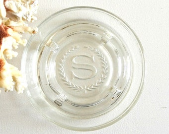 vintage sheraton hotel ashtray round clear glass ashtray sheraton hotel smoker's meborabilia