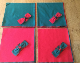 Festive Set of 4 Christmas Napkins Red and Green cloth napkins with bow rings