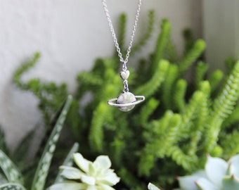 Saturn & heart necklace cool space planet lovers sci fi silver pendant