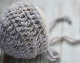 Baby Bonnet / Newborn Bonnet / Newborn Girls Bonnet / Newborn Girls Hat / Baby Girl Gift / Newborn Girl Photo Prop / Lavender Baby Bonnet