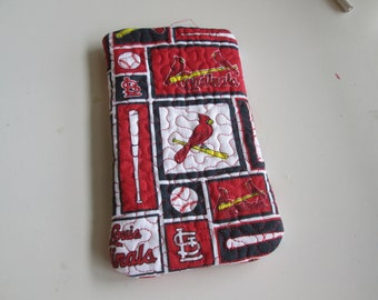 Cardinal sunglass case, soft and quilted