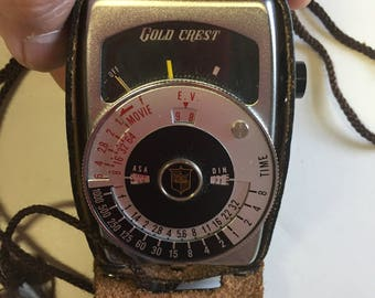 1960s gold crest light meter with case