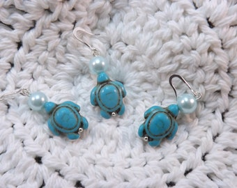 Carved  Howlite Turquoise Turtle Stitch Markers