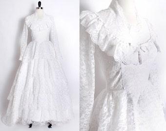 vintage 1960s 60s lace wedding dress / tiered lace wedding dress / deadstock vintage