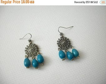 ON SALE Vintage 1960s Southwestern Silver Tone Turquoise Blue Plastic Earrings 72617