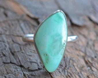 Chrysoprase Ring  & Sterling silver 925. Statement Ring. Silver ring with Chrysoprase stone.