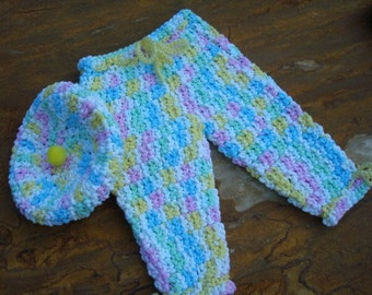 Cupcake Hat and Matching Pants Set in Thick Cotton - Newborn to 6 mos - Pastels 443