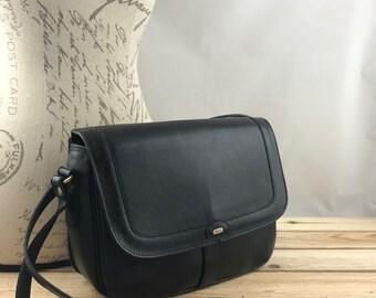 BALLY Crossbody Flap Bag made of Black Leather