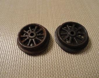 D177)  Vintage Cast Iron Toy Train Wheels
