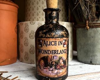 Steampunk Alice in Wonderland. Alice in Wonderland Decor. Alice in Wonderland Bottle. Steampunk Mad Hatter. Steampunk. Steampunk Gift. Goth.