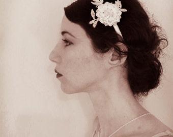 Wedding headband, 1920 headpiece, bridal headpiece,delicate headpiece,  pearl, lace headband, Vintage wedding, Boho wedding accessory.