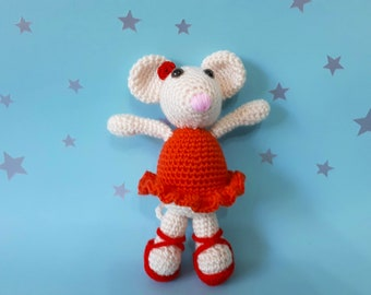 crochet / knitted mouse