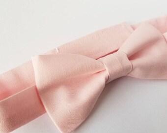 Pink Bowtie / Light pink bowtie / pink wedding / wedding bowtie / groomsmen bow ties / boys bowtie / mens bowtie / baby bowtie / ring bearer