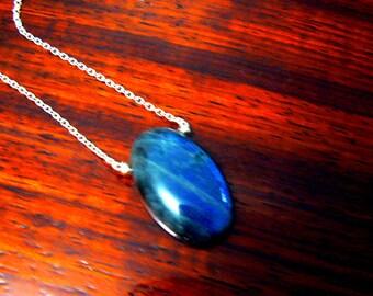 Labradorite blue flash pendant- Labradorite sterling silver necklace- Boho gemstone pendant-Fashion natural stone pendant-Women jewelry gift