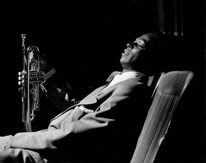 "Miles Davis Backstage at ""Just Jazz"" Concert in Los Angeles, Circa 1950 - 5X7 or 8X10 Photo (ZZ-817)"