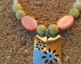 Youth Spring Fling Necklace