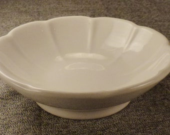 HALL 1113 CHINA BOWL Ceramic Fluted edges White Cereal Salad   Deep 2in  7 1/4 diam. inches Mint never used