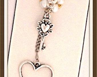Handmade MWL pearl, key and heart bookmark. 0168
